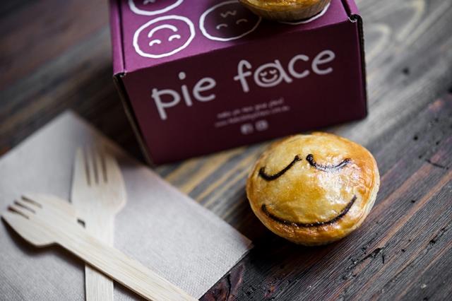 Pie Face-Chicken Mushroom